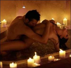 Інтим в ліжку під час заняття любов'ю