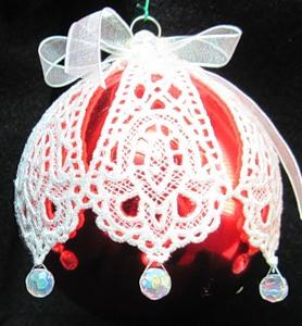 Декорування мереживами своїми руками новорічних куль
