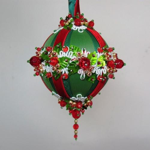 Бісерні кулі для новорічної ялинки