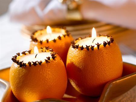 Новорічна свічка в апельсині