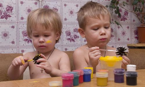 Новорічні іграшки з шишок своїми руками - крок3