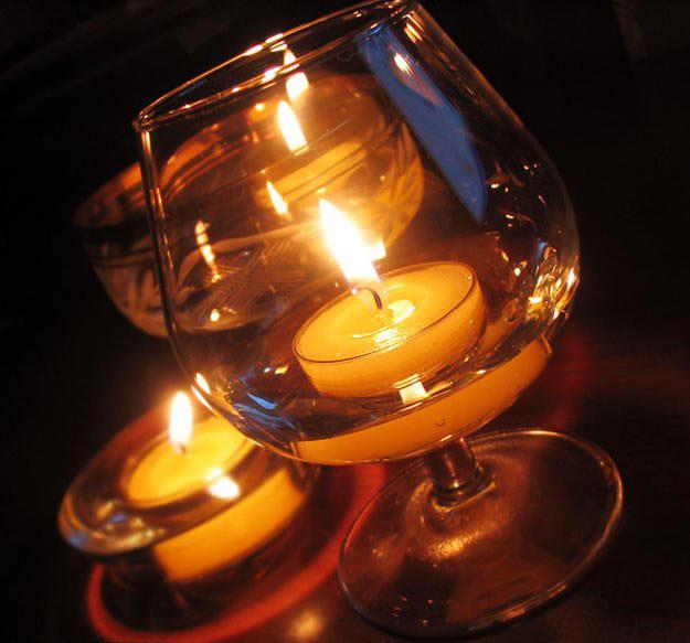Новорічна свічка в келиху