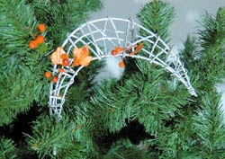Плетений півмісяць на новорічну ялинку