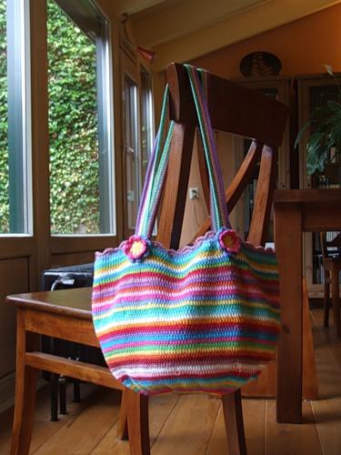 Смугаста сумка в'язана гачком