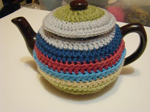 В'язаний светр для чайника - 8