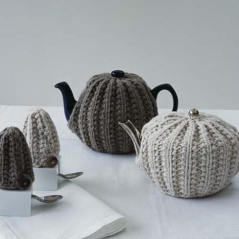 В'язаний светр для чайника - 5