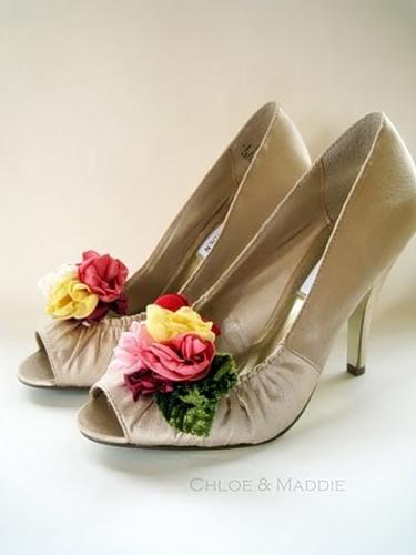 Туфлі декоровані квітами