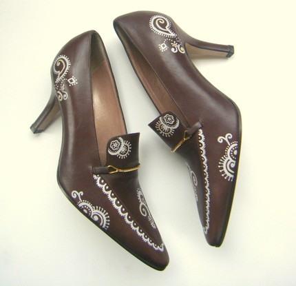 Взуття розписана акрилом