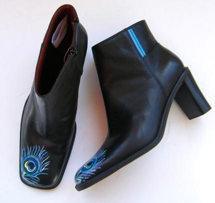 Взуття розписане акриловою фарбою