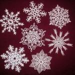 Як вирізати красиву сніжинку з паперу?