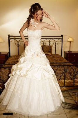 Модні весільні сукні 2011-4