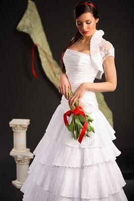 Модні весільні сукні 2011