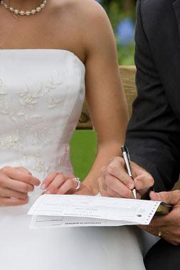 Шлюбний договір при заміжжі