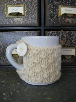 В'язаний светр для чашки - 9