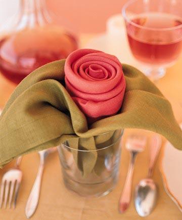 Серветка у формі троянди