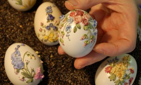 Вишивка стрічками по яєчній шкаралупі
