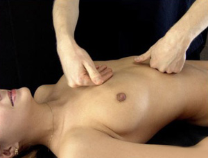 Еротичний масаж грудей