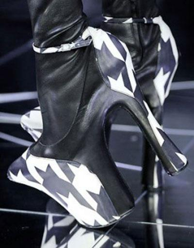 Оригінальне взуття - 37