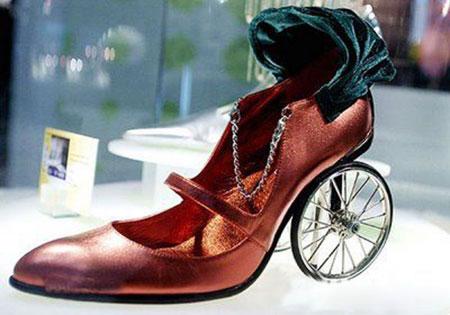 Оригінальне взуття - 38