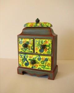 Скринька декорована полімерною глиною