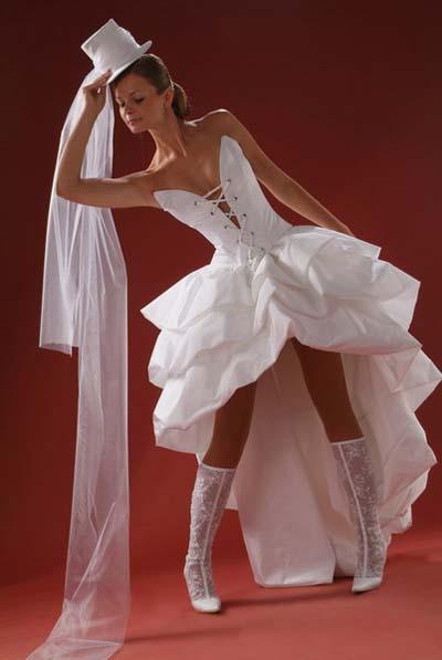 Коротка весільна сукня 2011
