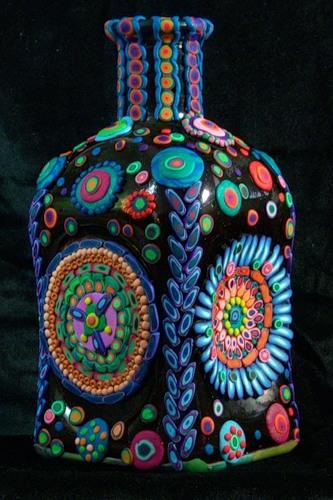 Фото пляшки з полімерною глиною