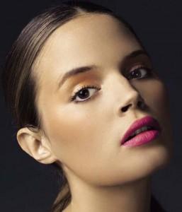 Як зробити бездоганний макіяж