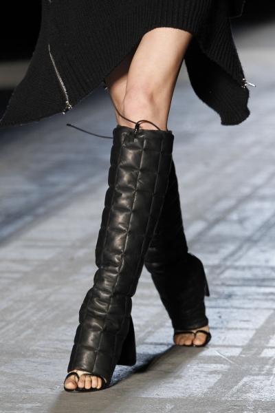 Модне взуття осінь-зима 2011/2012 - фото