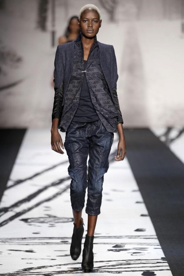 ce51b3adfa85a1 Модні джинси 2012 - 14