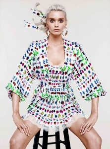 Еббі Лі Кершоу в колекції Cruise від Versace для H&М 2012 (фото 3)