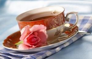 Теплий чай з медом і лимоном