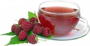 Чай з плодами малини і квітками липи