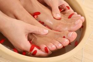 Розпарювання ніг для педикюру