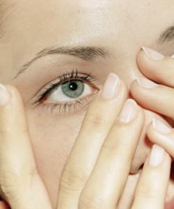 Техніка виконання масажу для очей