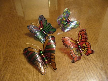 Метелики з пластикових пляшок
