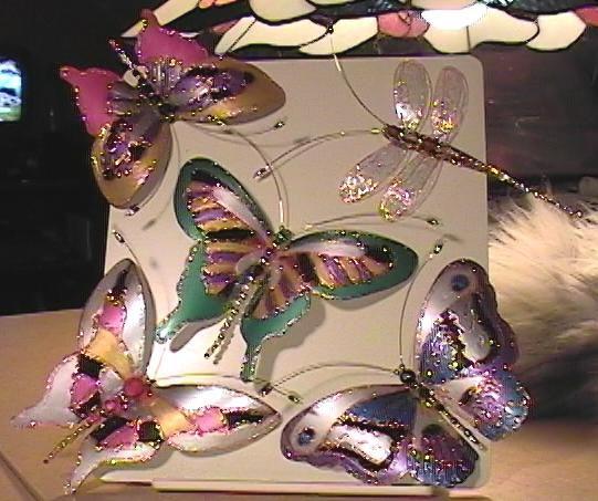 Красиві метелики з пластикових пляшок