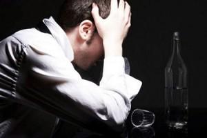 Алкоголь забирає у людини 18 років життя