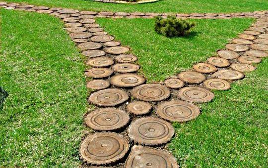 Доріжка з спилів дерева - фото 7