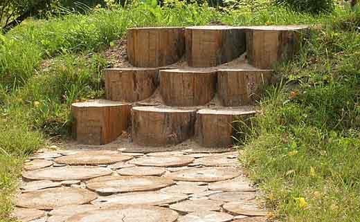 Доріжка з спилів дерева - фото 6
