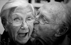 Чому жінки живуть довше, ніж чоловіки