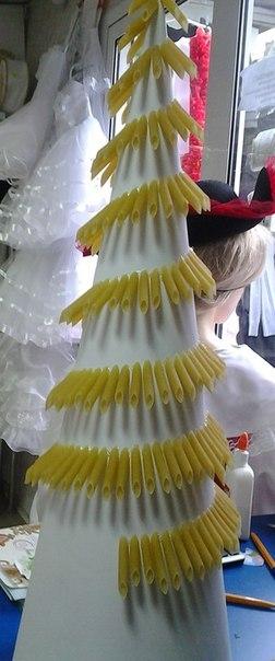Новорічна ялинка з макарон - фото 3