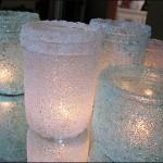 Новорічний свічник із скляної банки і морської солі