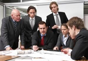 Чого не слід робити на ділових зустрічах?