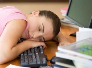 Чим шкідливе недосипання