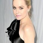 Тарін Мэнінг була звинувачена в нападі на свого візажиста - Холлі Хартман, але зірка стверджує, що не контактувала з Хартман протягом декількох місяців. Юристи Мэнінг оприлюднили заяву в п'ятницю, 29 січня, після того, як стало відомо, що Хартман подала заяву на отримання судової заборони для актриси, після сварки в листопаді. У заяві зазначено, що Мэнінг, вдарила по обличчю Холлі і, імовірно, бризнула їй в очі засіб для миття вікон. Суд тимчасово відхилив запит Хартман на тимчасову заборону у зв'язку з тим, що Тарін і Холлі не були помічені разом на протязі багатьох місяців. Представники актриси стверджують, що всі докази проти Мэнінг були сфабриковані. Вони так само стверджують, що Хартман, спеціально помилково звинуватила Тарін в нападі, і піддала все розголосу для того, щоб підвищити свою популярність. Також нагадаємо, що Холлі Хартман перебуває під слідством, за переслідування Мэнінг, крадіжки та інші злочини. Це не перші звинувачення Тарін. Кілька років тому вона була заарештована за напад на товариша Холлі Хартман. Але незабаром справа була закрита, а Мэнінг повністю виправдана.