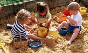 За і проти дитячого садка